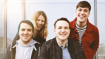Jugend Junge Menschen fröhlich Freude Gruppe