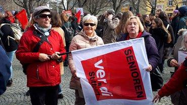 Aktion in Stuttgart: Keine Gewalt gegen Frauen!
