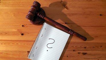 Gericht Urteil Fragezeichen